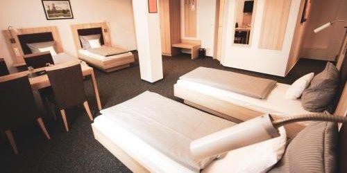 Забронировать Hotel Am Vogelsanger Weg