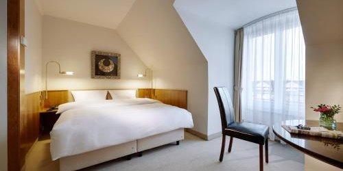 Забронировать Lindner Hotel Düsseldorf Airport