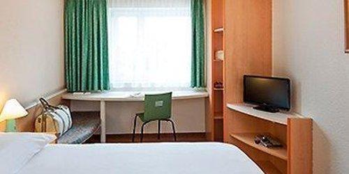 Забронировать ibis Hotel Dortmund City