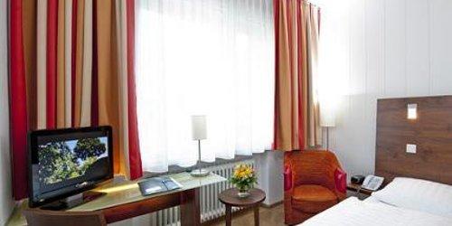 Забронировать Hotel Westfalia