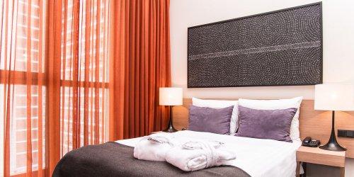 Забронировать Adina Apartment Hotel Berlin Checkpoint Charlie