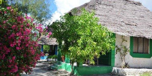 Забронировать Twisted Palms Lodge & Restaurant