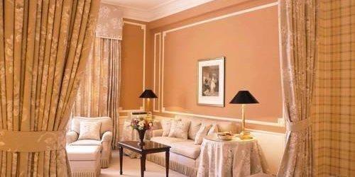 Забронировать Brenners Park-Hotel & Spa