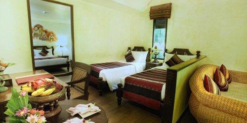 Забронировать Yaang Come Village Hotel