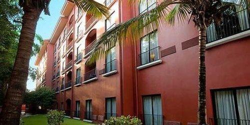 Забронировать Courtyard Santo Domingo