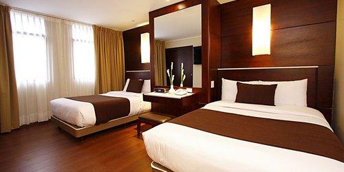 Забронировать Hotel Reina Isabel