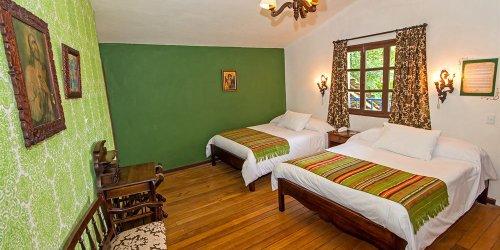 Забронировать Hacienda Hosteria Chorlavi