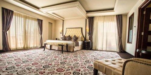 Забронировать Premier Le Reve Hotel & Spa (Adults Only)