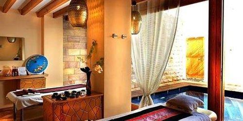 Забронировать Fort Arabesque Resort, Spa & Villas