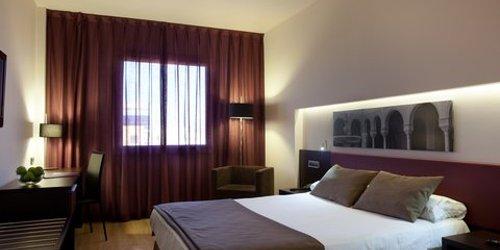 Забронировать Ayre Hotel Sevilla