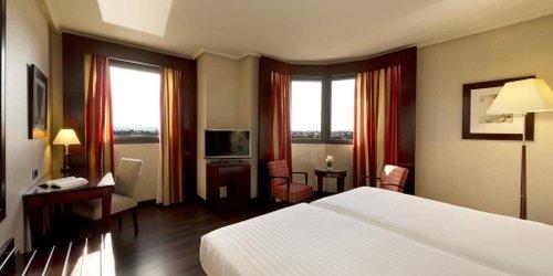 Забронировать Hotel Sevilla Center