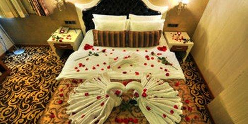 Забронировать Golden Deluxe Hotel