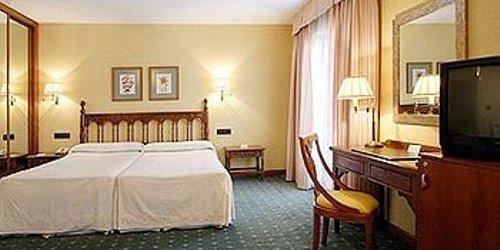 Забронировать Hotel Puente Romano de Salamanca