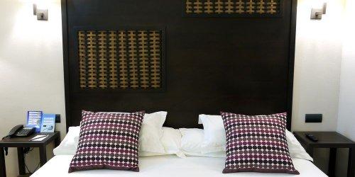 Забронировать Silken Puerta Málaga