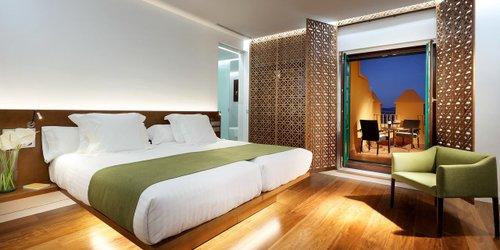 Забронировать Alhambra Palace