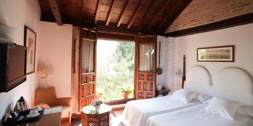 Забронировать Hotel Casa Morisca