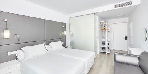 Забронировать Hotel Astoria Playa Adults Only