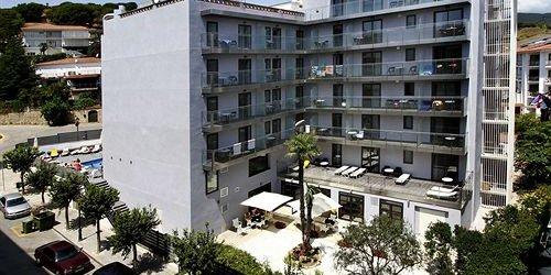 Забронировать Summer Hotel
