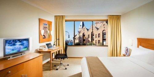Забронировать Holiday Inn Old Sydney