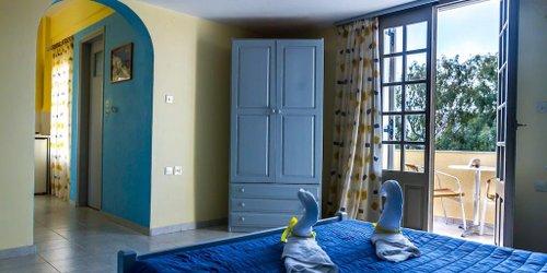 Забронировать Niovi Apartments