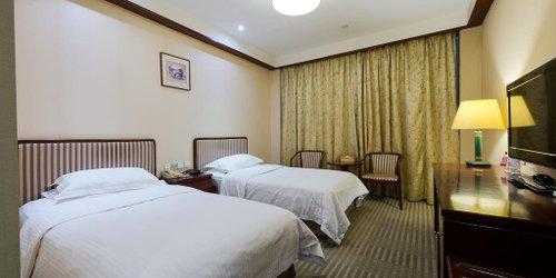Забронировать Jade Garden Hotel