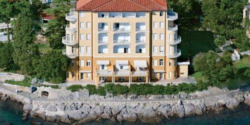 Забронировать Remisens Premium & Romantic Villa Ambasador