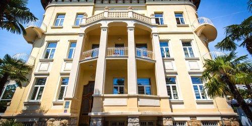 Забронировать Hotel Villa Eugenia