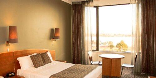 Забронировать The New Esplanade Hotel
