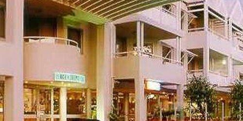 Забронировать Broadwater Resort Apartments