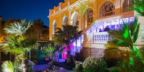 Забронировать Casino Hôtel des Palmiers
