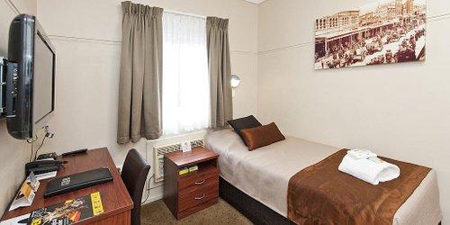 Забронировать Comfort Inn Wentworth Plaza Hotel