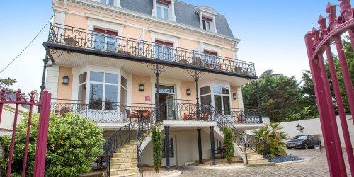 Забронировать Hôtel La Villefromoy
