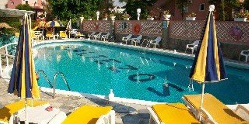 Забронировать Maltezos Hotel