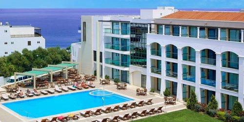 Забронировать Albatros Spa & Resort Hotel