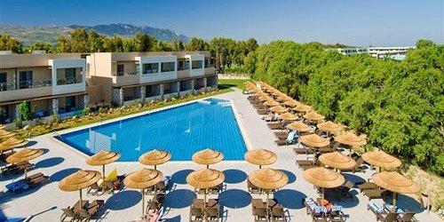 Забронировать Blue Lagoon Resort