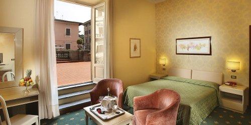 Забронировать Grand Hotel Plaza & Locanda Maggiore