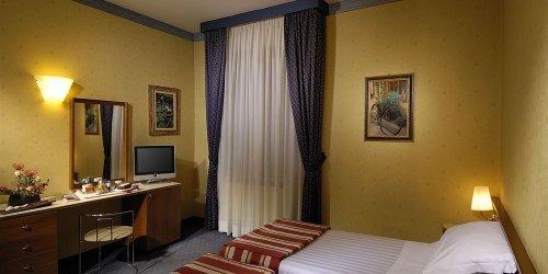 Забронировать Best Western Hotel Re Enzo