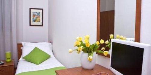 Забронировать Hotel Accademia