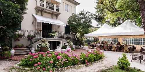 Забронировать Hotel Club I Pini - Residenza D'Epoca