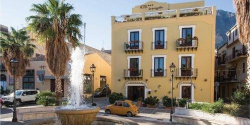 Забронировать Hotel La Piazzetta