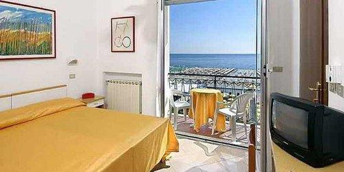 Забронировать Hotel Lungomare