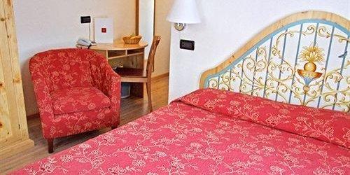 Забронировать Hotel Mont Blanc
