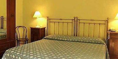Забронировать Hotel Azzi