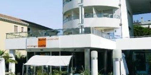 Забронировать Hotel Centrale