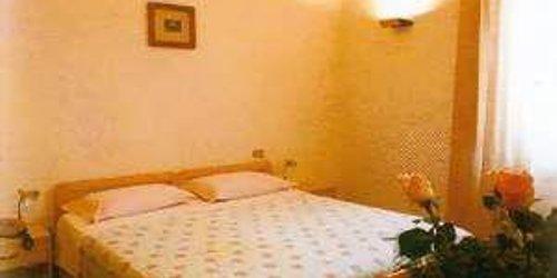 Забронировать Hotel Tonfoni