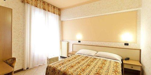Забронировать Hotel La Riviera