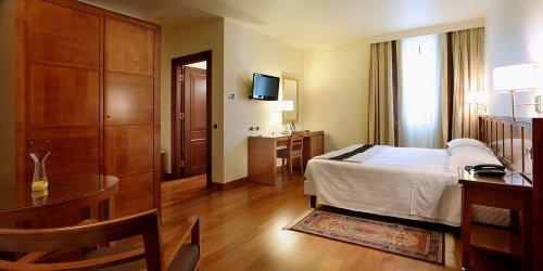 Забронировать Villa Quaranta Park Wellness Hotel & SPA