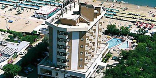 Забронировать Alexandra Plaza Hotel