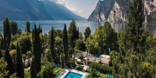 Забронировать Du Lac Et Du Parc Grand Resort