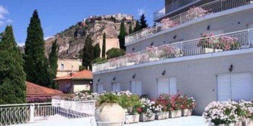 Забронировать Hotel Mediterranée